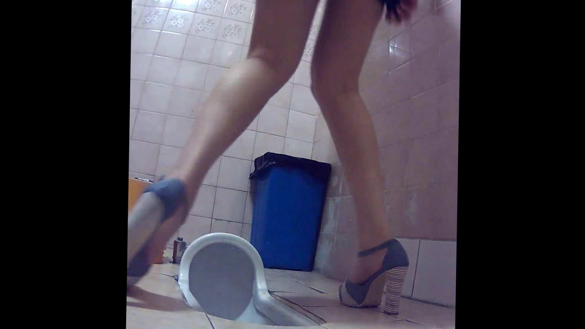 潜入!!韓国秘密のトイレ!Vol.16 潜入女子トイレ 戯れ無修正画像 105画像 43