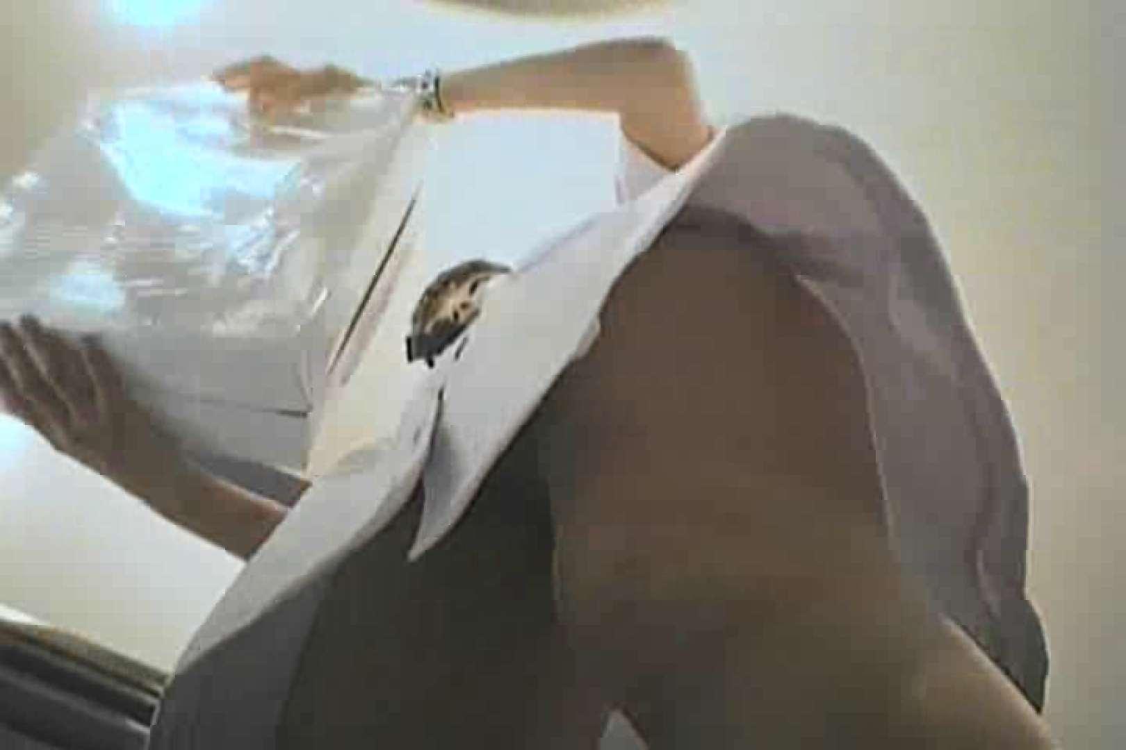 デパートローアングル徘徊 靴カメ盗撮Vol.3 すけべなOL おまんこ動画流出 99画像 29